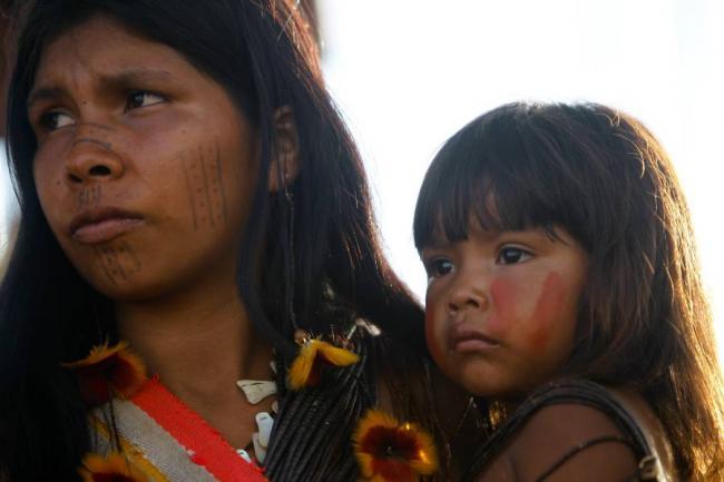 Comunicado del pueblo Uwa denuncia la incapacidad de Parques Nacionales Naturales de Colombia - pueblo_uwa_vuelve_a_negociar_la_reparacion_a_oleoducto_de_cano_limon