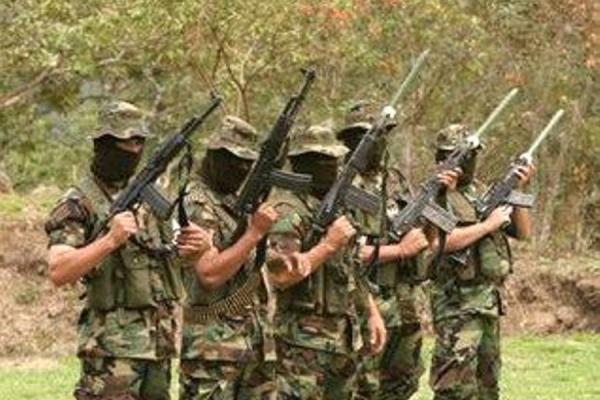 En Buenaventura paramilitares amenazan a líderes indigenas - paras