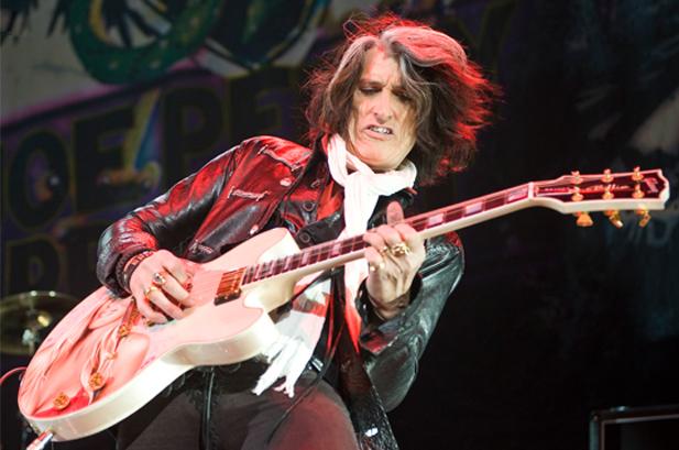 El guitarrista de Aerosmith se desmayó